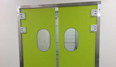 Portes pour les laboratoires alimentaires et portes protections pour l'industrie agroalimentaire porte isolante va-et-vient en polyéthylène SP800