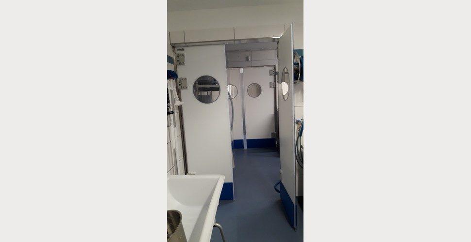 portes va-et-vient en polyéthylène SPENLE dans une fromagerie artisanale en Allemagne
