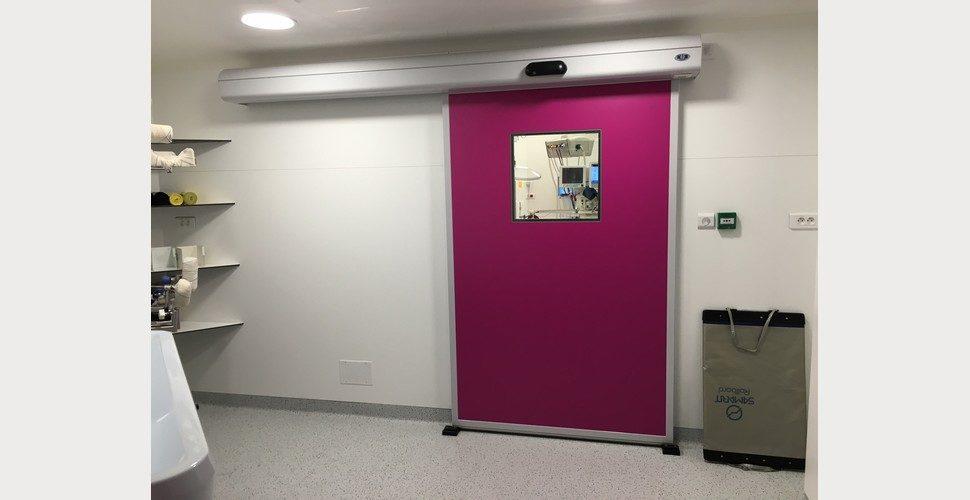porte étanche coulissante SPENLE dans un hôpital parisien